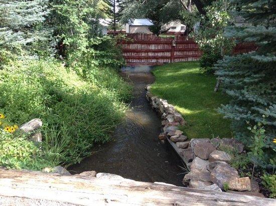 The Jeffers Inn: stream running through back yard