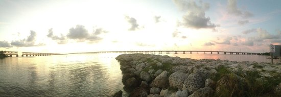The Overseas Highway: Overseas Hwy captured from Bahia Honda State Park