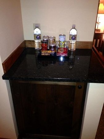 Lodge at Whitefish Lake: minibar, plus there was a safe in the cabinet below