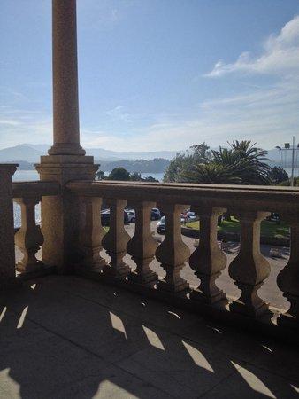 Parador de Baiona: Porch overlooking sea