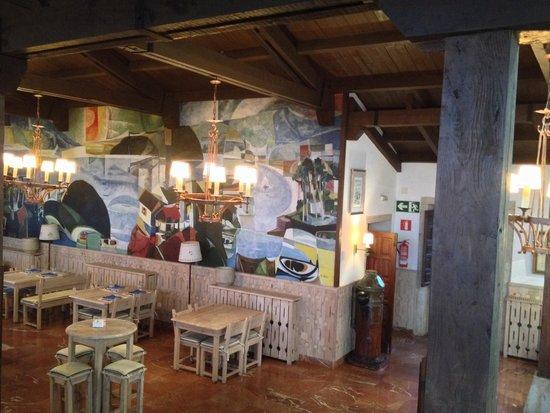Parador de Baiona: The Taverna inside