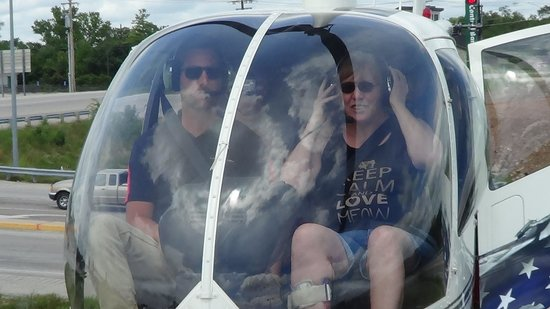 Lake Ozark Helicopters : Ready for take-off!