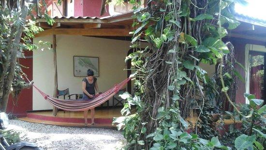 Hotel Meli Melo: Une autre chambre et sa terrasse avec hamac
