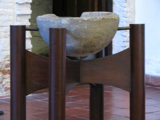 Iglesia Matriz: Pia de batismo em Marmore