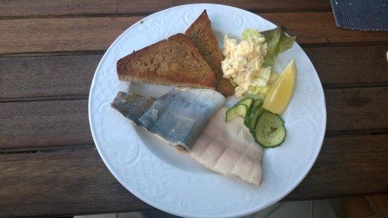 Dobel, Alemania: Forellenfilet mit Apfelmeerettich (gut, das war nicht veggie :-))