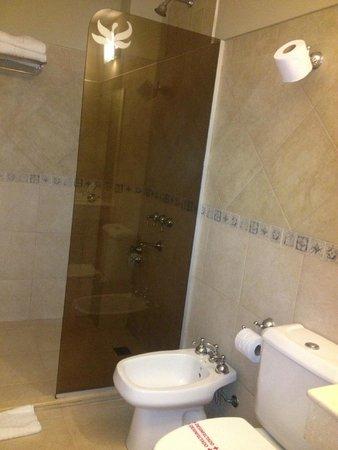 Hotel Jardín de Iguazú: Shower