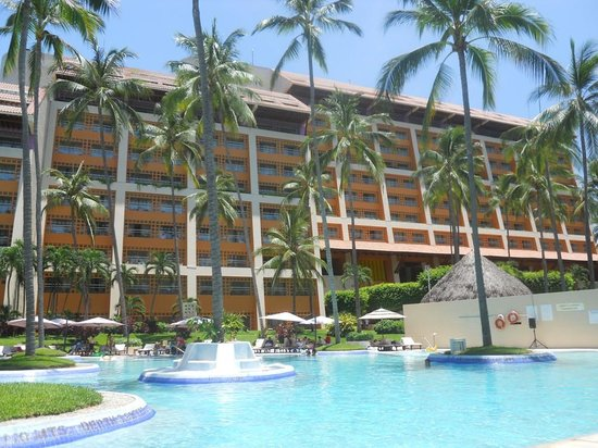 The Westin Resort & Spa, Puerto Vallarta : view from the pool