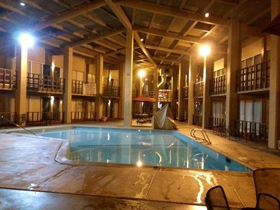 Best Western Outlaw Inn : loved this setup with the rooms around the pool