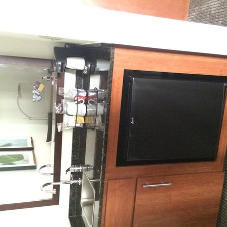 Hyatt Place Fort Worth Cityview: fridge AND coffee maker!!