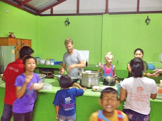 Joy's House : Cooking pasta for kids