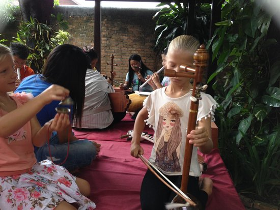 Joy's House: Thai music lesson