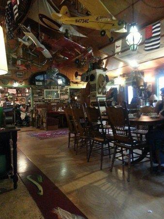 Historic Anchor Inn: Dining room