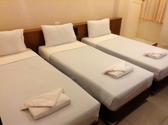 Rambuttri House : Triple Bed