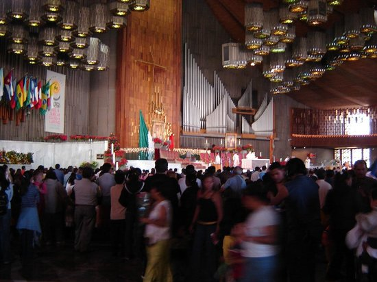 Basilica de Santa Maria de Guadalupe : La nueva basílica de Guadalupe