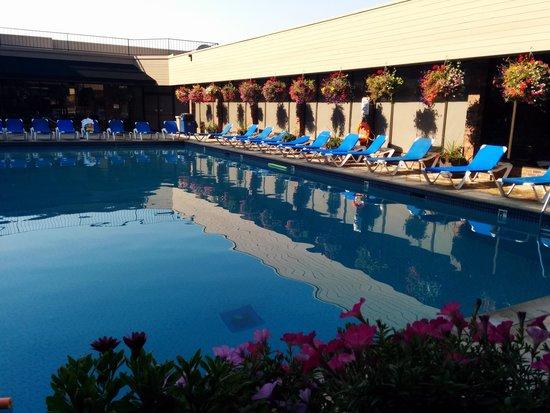 Coast Capri Hotel Kelowna: Pool