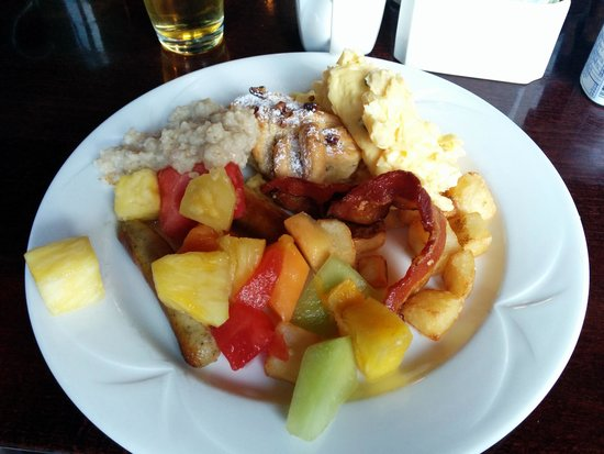 Coast Capri Hotel Kelowna: Breakfast