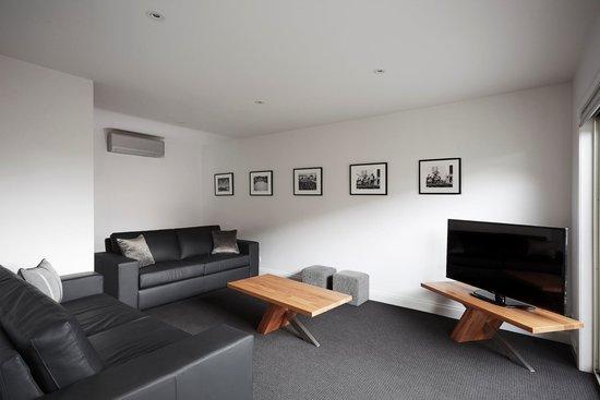 Mansi on Raymond: Lounge room