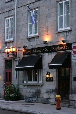 Manoir de L'Esplanade : Front of the hotel