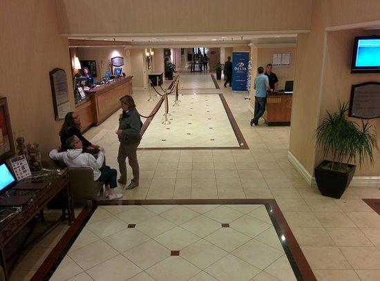 Delta Hotels par Marriott Montréal : Hall d'accueil