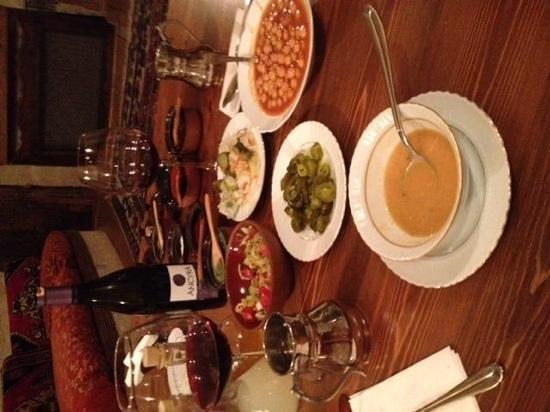 Dibek: squisite le zuppe di legumi, come quelle di carne.