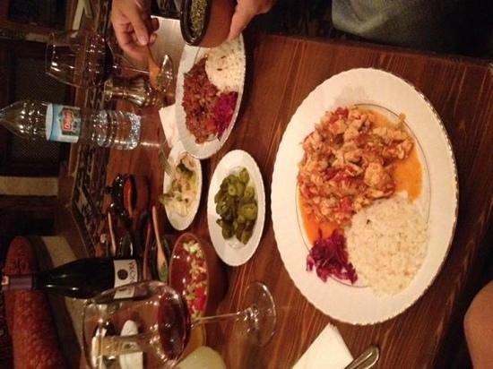 Dibek: Qui il testi kebab (pottery kebab) è una vera prelibatezza, COMPLETAMENTE diverso da quello che