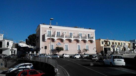 Hotel Nettuno: Building