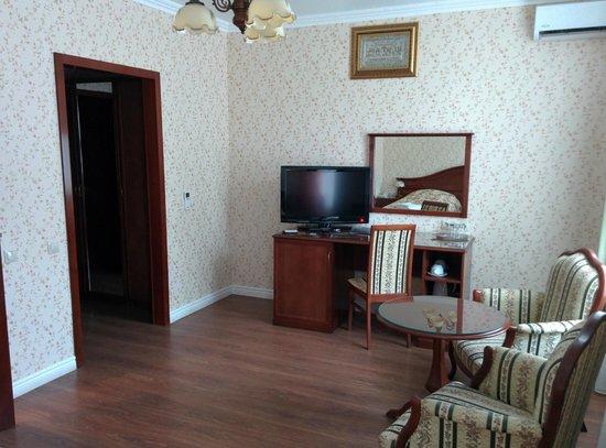Sokol Hotel: Большой уютный номер