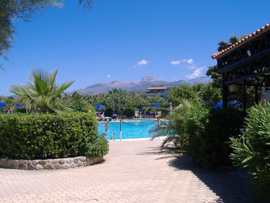 Fiesta Hotel Athènee Palace: view from one of pools