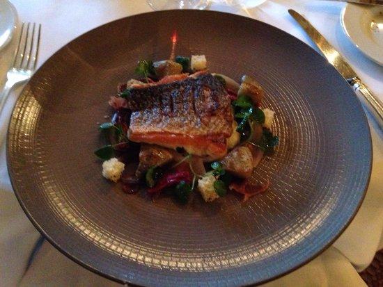 Montagu Arms Hotel: Amazing food and presentation