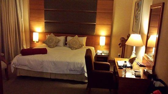 Grand Mercure Maha Cipta Medan Angkasa: Very Spacious Room