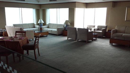 Grand Angkasa Medan managed by AccorHotels: Private dinning lounger for suite floor