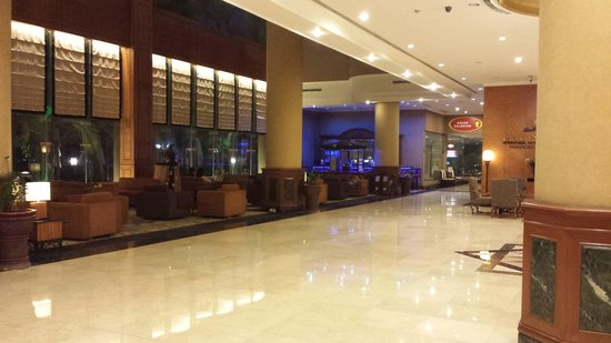 Grand Angkasa Medan managed by AccorHotels: Hotel Lobby