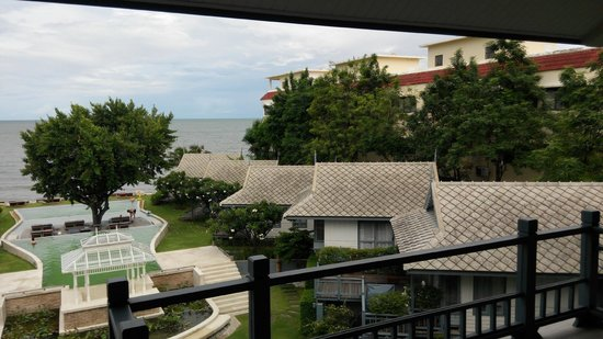 Devasom Hua Hin Resort: the ocean view