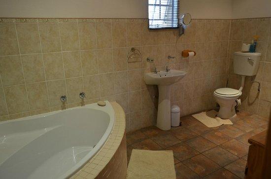 Daan's Place: Bathroom