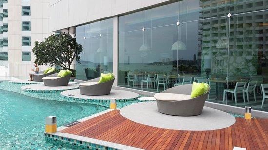 Holiday Inn Pattaya: 新的Executive tower游泳池