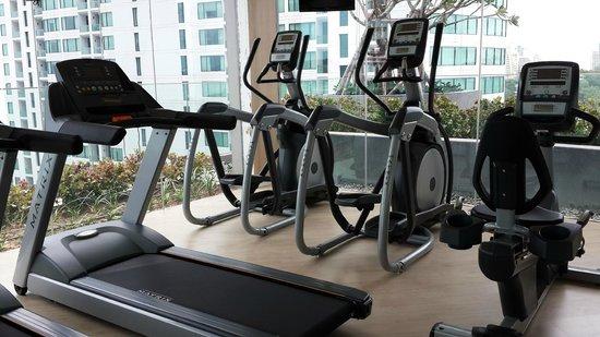 Holiday Inn Pattaya: 新的Executive tower健身房器材不多