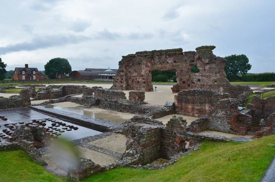 Wroxeter, UK: Roman bath house ruins