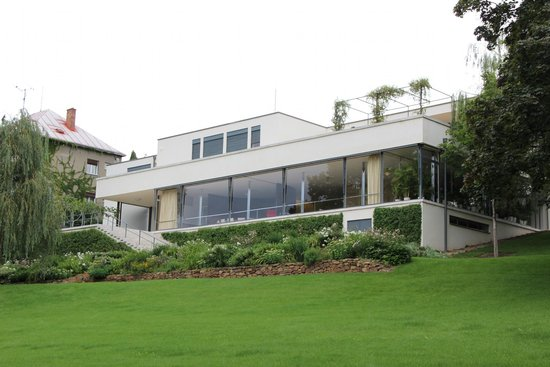 Villa Tugendhat : Vila Tugendhat - view from the garden