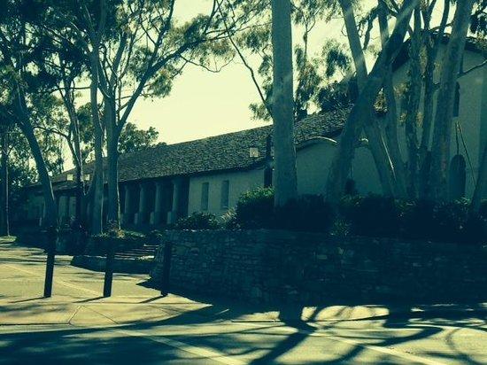 Mission San Luis Obispo de Tolosa: Outside view