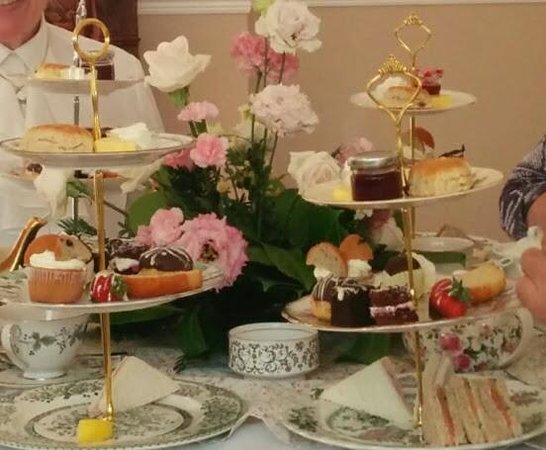 The Grimscote Manor Hotel: High Tea