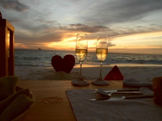 Six Senses Laamu : birthday celebration on the sandbank