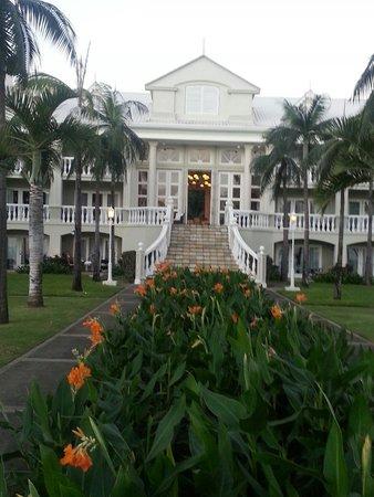 Sugar Beach Mauritius : Manor House entrance, Sugar Beach, Mauritius