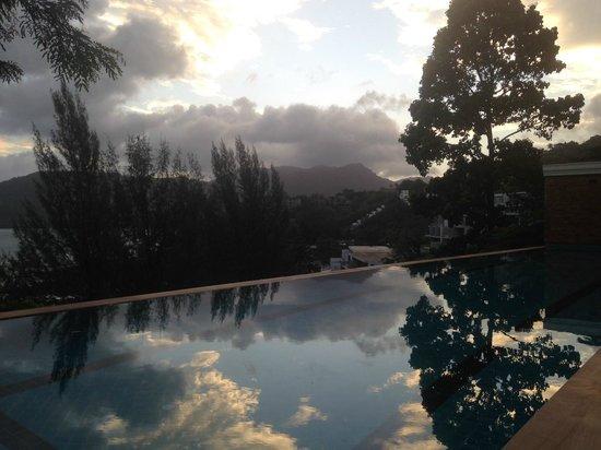 Aquamarine Resort & Villa: Sunrise
