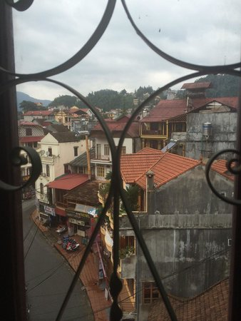 Sapa Queen Palace Hotel: View from one window  503