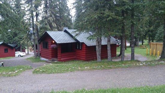 Miette Hot Springs Resort : Miette Cabin