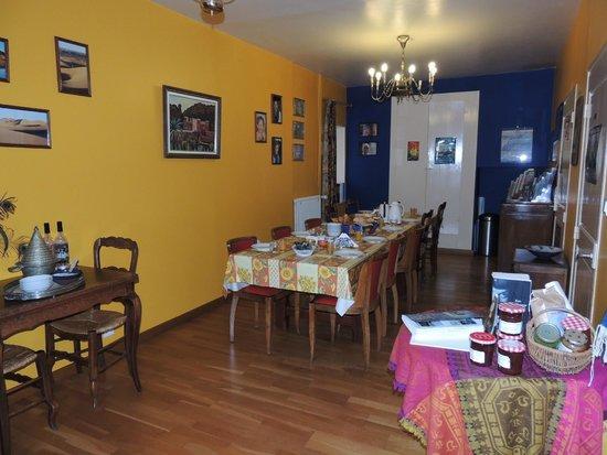 Moutier-Malcard, Francia: breakfast room/salle à manger