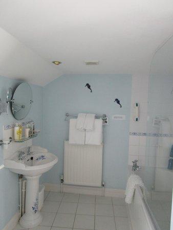 Old Temperance House : Lovely bath