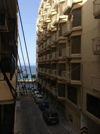 Windsor Hotel: почти с видом на море :-)