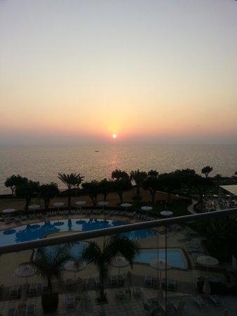 Pernera Beach Hotel: Sunrise at 6am