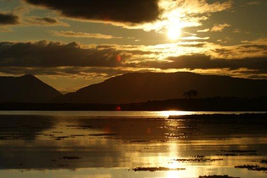 Strathgorm Bed and Breakfast : Sonnenuntergang am Strand in der Nähe der Unterkunft